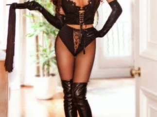 Sia - beautiful and young girl in Knightsbridge,London at Divaescort!