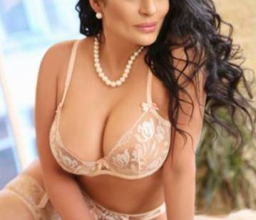 London Escort Brunasatinni Adult Entertainer in United Kingdom, Adult Service Provider, Escort and Companion.