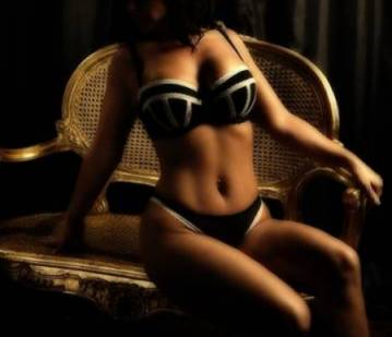 Chester Escort Kellycourtesan Adult Entertainer in United Kingdom, Adult Service Provider, Escort and Companion.