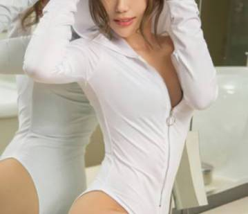 London Escort Lin Lin Adult Entertainer, Adult Service Provider, Escort and Companion.
