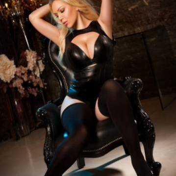 London Escort Ulianaloove Adult Entertainer, Adult Service Provider, Escort and Companion.