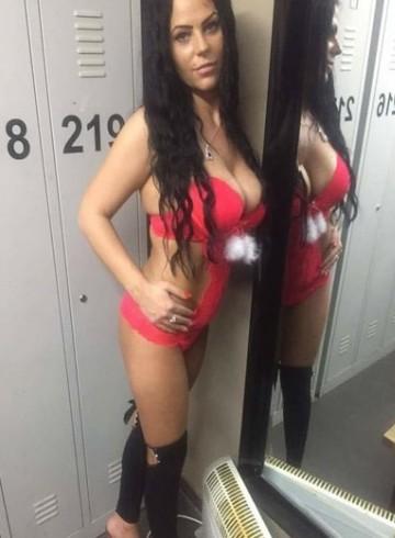 London Escort Elegant  Dominica Adult Entertainer in United Kingdom, Female Adult Service Provider, Escort and Companion.