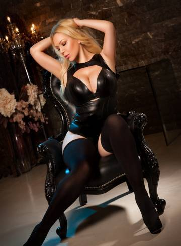 London Escort Ulianaloove Adult Entertainer in United Kingdom, Female Adult Service Provider, Escort and Companion.
