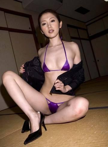 London Escort Mae Adult Entertainer in United Kingdom, Female Adult Service Provider, Korean Escort and Companion.
