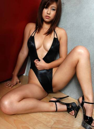 London Escort Tegan Adult Entertainer in United Kingdom, Female Adult Service Provider, Chinese Escort and Companion.