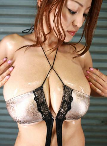 London Escort Carrisa Adult Entertainer in United Kingdom, Female Adult Service Provider, Chinese Escort and Companion.