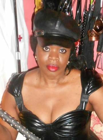 Gravesend Escort COUNTESS  DIONYSUS Adult Entertainer in United Kingdom, Female Adult Service Provider, American Escort and Companion.