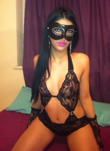 Birmingham Escort DENYZA Adult Entertainer in United Kingdom, Female Adult Service Provider, Escort and Companion.