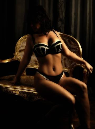 Chester Escort Kellycourtesan Adult Entertainer in United Kingdom, Female Adult Service Provider, British Escort and Companion.