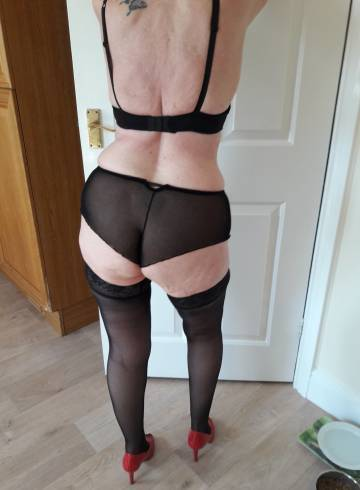 London Escort Lovelylesley Adult Entertainer in United Kingdom, Female Adult Service Provider, Escort and Companion.