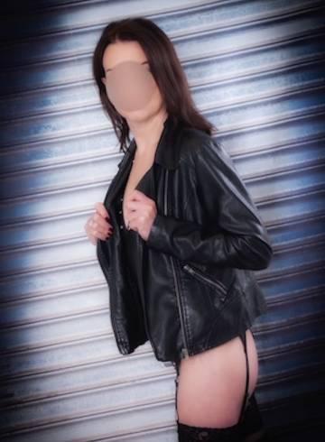 Basildon Escort Monica-Ilford Adult Entertainer in United Kingdom, Female Adult Service Provider, British Escort and Companion.